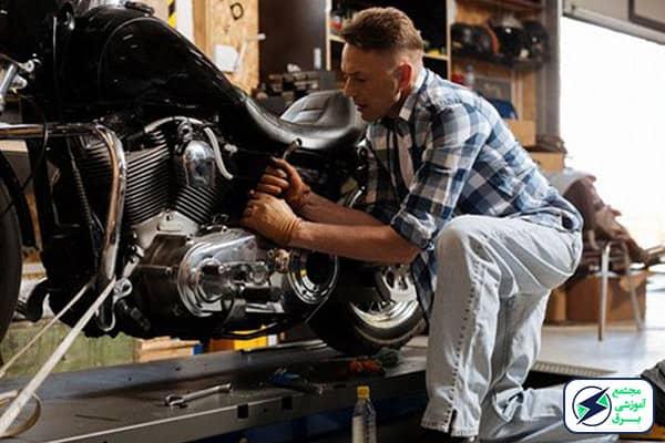 بازارکار و درامد تعمیرات موتور سیکلت